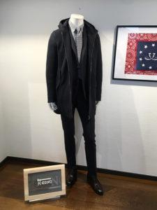 manteau à capuche avec costume